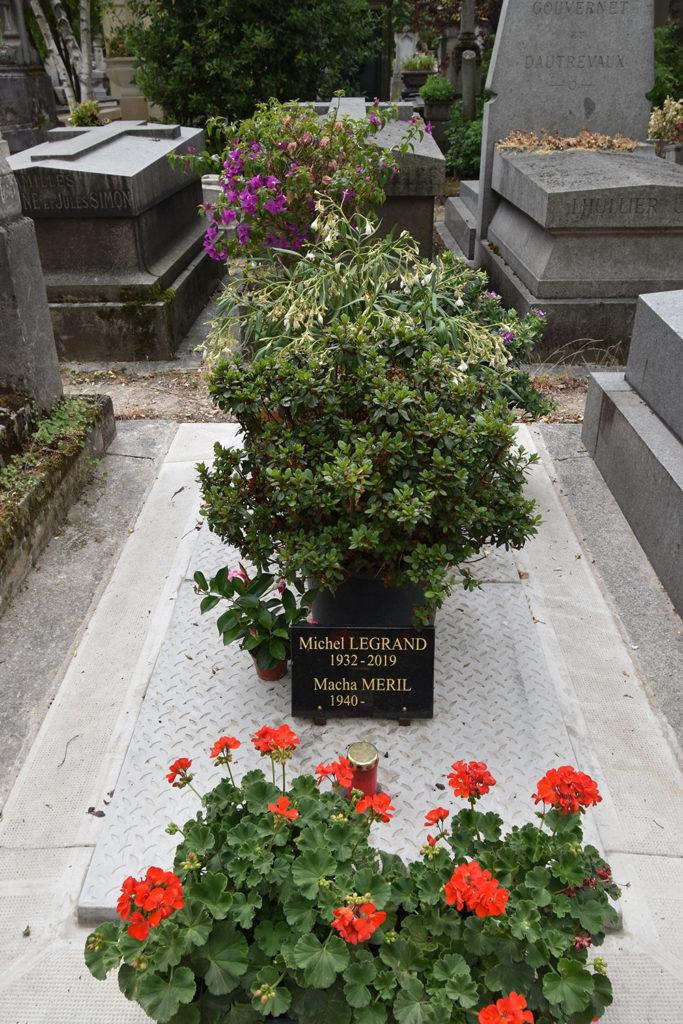 ペール・ラシェーズに眠るミシェル・ルグラン